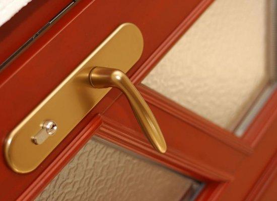 Dřevo-hliníkové vchodové dveře